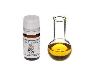Olio Essenziale di Cassia (Cinnamomum Cassia)