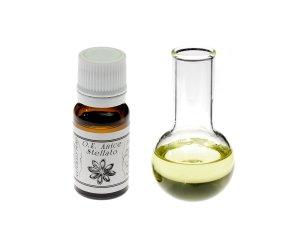 Olio essenziale di Anice Stellato – Pelle Grassa o con Imperfezioni